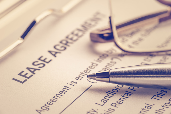 What Happens if You're Divorcing While Your Names are Both on a Lease?